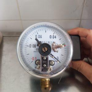 Đòng hồ đo áp suất 3 kim chân không