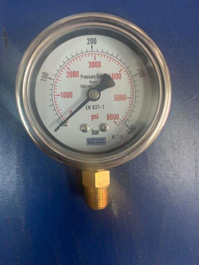 Đồng hồ áp suất Yamaki mặt 63mm 0-400kg/cm2