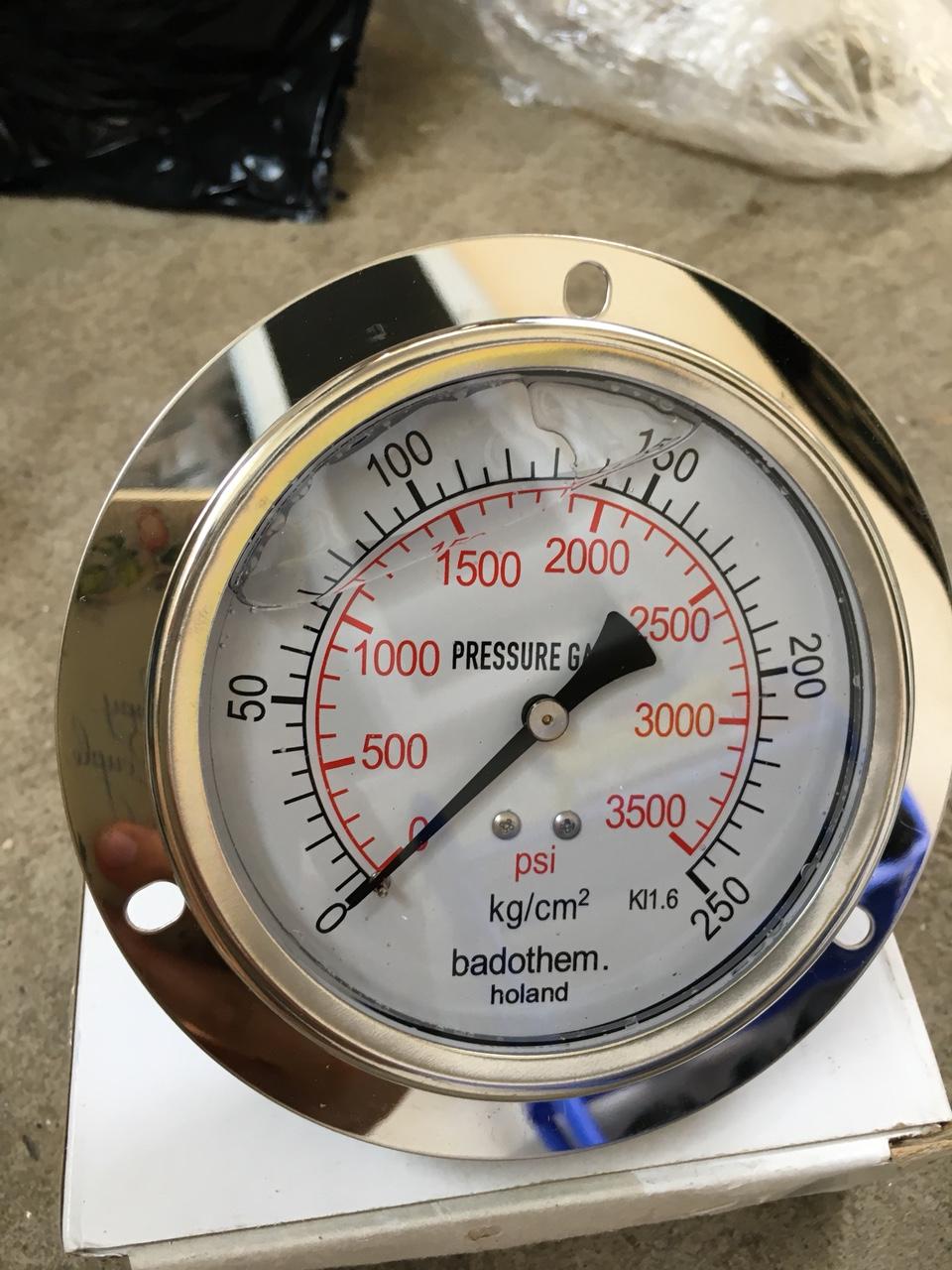 Đồng hồ đo áp suất Badothem 0-10kg/cm2, mặt 100mm, chân ren 17mm