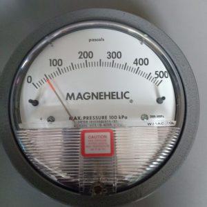 Đồng hồ đo chênh áp Dwyer Magnehelic 2000-500PA