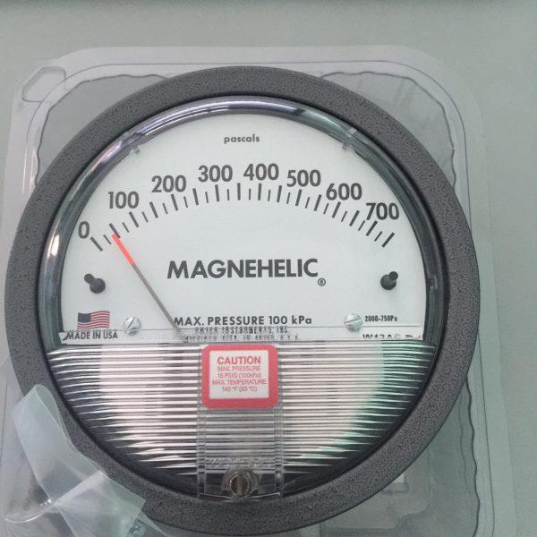 Đồng hồ đo chênh áp Dwyer 2000-750pa