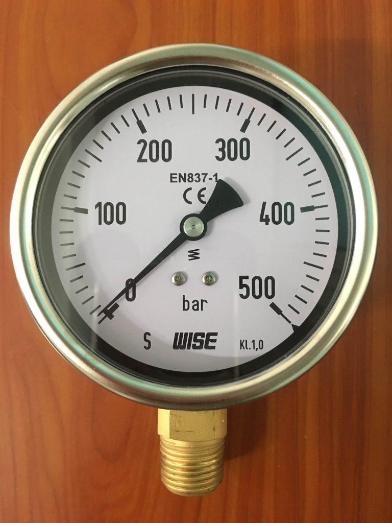 Đồng hồ áp lực Wise 0-500 bar, mặt kính 100mm, vỏ inox 304, chân ren đồng 21mm