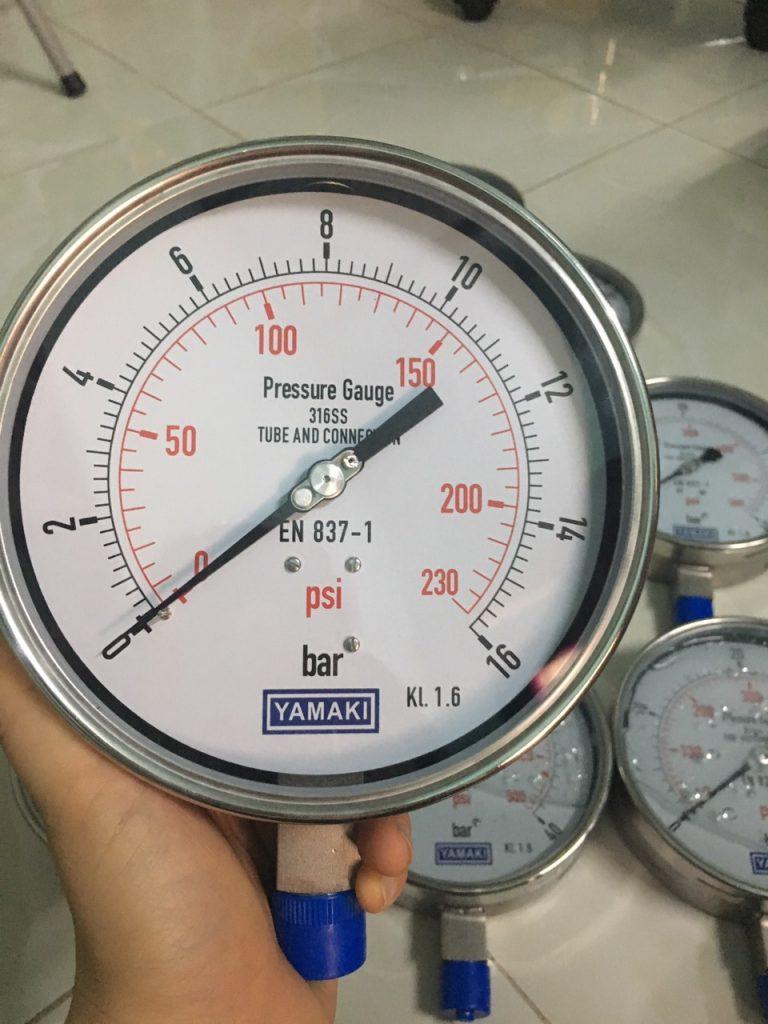Đồng hồ áp suất yamaki chân đứng, inox toàn bộ,0-40 bar, mặt 150mm