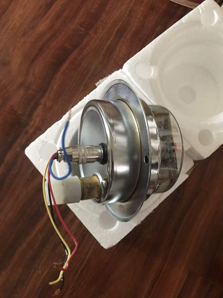 Đồng hồ áp suất 3 kim chân sau có vành, nhập khẩu giá rẻ